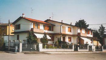 Trifamiliare Via Mazzini Gossolengo 1995