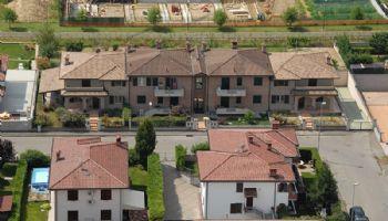 Quadrifamiliare con ville Via Donizzetti Rottofreno 2003