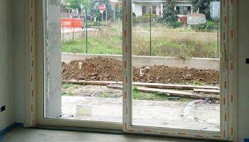 Posa della vetrata in Pvc con avvolgibile 21 Novembre 2013