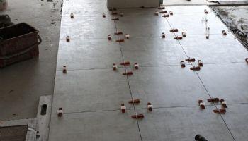 Posa pavimenti interni